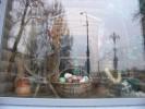 Опішнянський глечик у вітрині ресторанного комплексу «Горница» (місто Курськ). Курськ, Російська Федерація. 06.12.2012. Фото Наталі Визір.